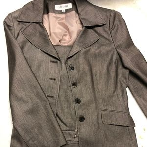 Suit Studio 2 piece brown suit size 12